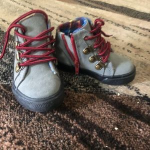 LAST PAIR~TODDLER EVERYDAY ANKLE BOOT/SNEAKER SZ 5